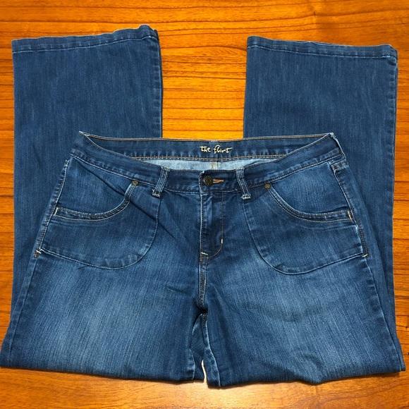 Old Navy Denim - Old Navy the flirt mid-rise flare leg jeans